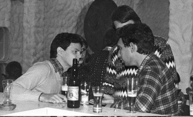 Em Florianópolis, com Jane e amigos (1981 ou 82)